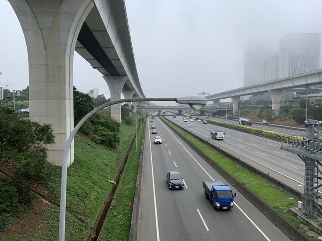 Transportation Car Motor Vehicle Mode Of Transportation Road Bridge Bridge - Man Made Structure Land Vehicle Architecture Connection Highway City Built Structure Day Street Travel Nature Traffic No People The Way Forward Multiple Lane Highway Outdoors Overpass