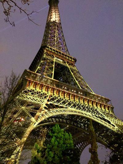 Eiffel tower Toureiffel Eiffel Tower Marché De Noël Feerique Bonheur Phoneography Iphonephotography My Best Photo 2015