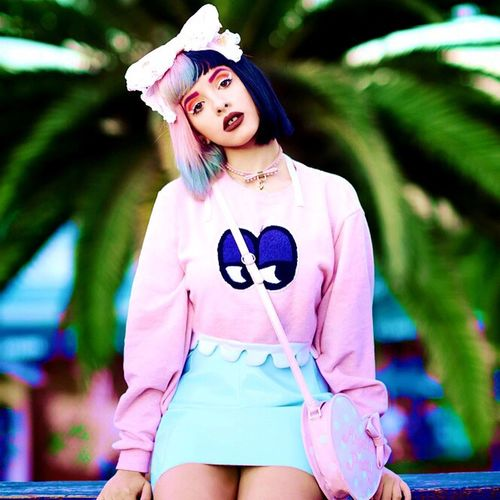 Young Adult Fashion Casual Clothing Looking At Camera Portrait One Person Pink Color Front View Beautiful Woman Outdoors Fashion Model Standing Young Women Happiness Day Lifestyles Blond Hair Adult Real People Modern Melanie Martinez