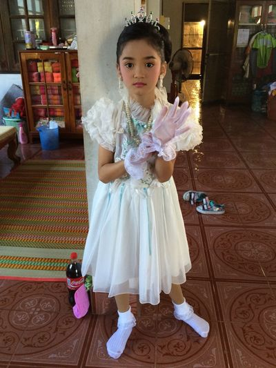 She very nice 😉👌😘😍 One Person Indoors  Child Full Length Children Only Flower People Bride Day
