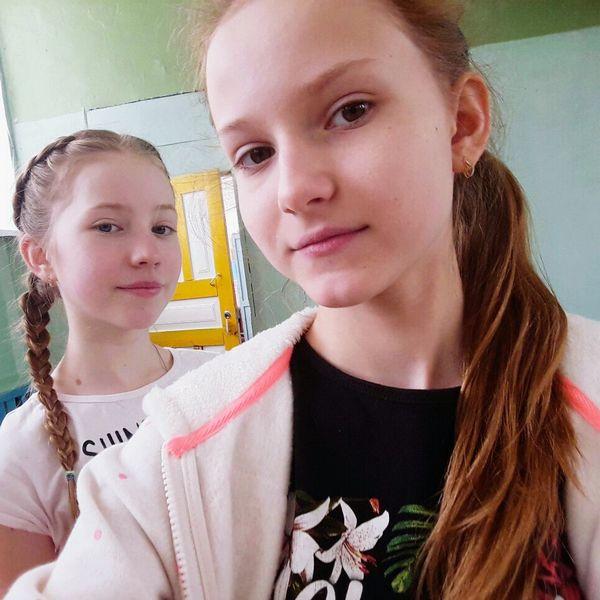 Физ-ра Two People Girls Teenager Child Blond Hair Friendship Portrait Headshot People Indoors  Togetherness Young Adult Day Adult физра урок я Соня