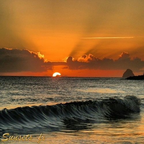 Presenting today's sunsets_fx_ featured artist: stanlevi show your appreciation for this outstanding artist by leaving a like and visit their amazing gallery! For your chance to be featured: follow: sunsets_fx_ tag: #sunsets_fx