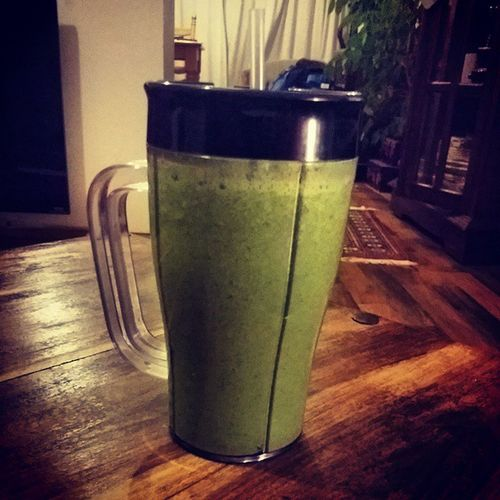 Day 3: Apple, Kiwi, Spinach and 30g of @proteinworld Banana Slender powder. (This photograph doesnt do the intense greeness justice). Have to admit these smoothies are definatly tasty as fu**, great while weight training :D Apple Kiwi Spinach Banana proteinworld smoothie weight loss muscle gain super saiyan goal