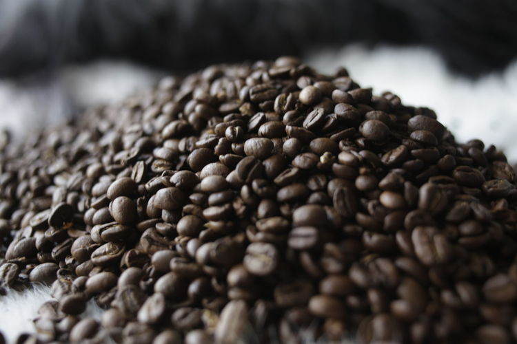 Abundance Beauty In Nature Brown Coffee Drink Extreme Close-up Food Freshness Full Frame Large Group Of Objects Macro Roasted Coffee Bean Selective Focus Food And Drink No People Close-up Coffee Still Life Coffee - Drink Seed Indoors  Freshness Table