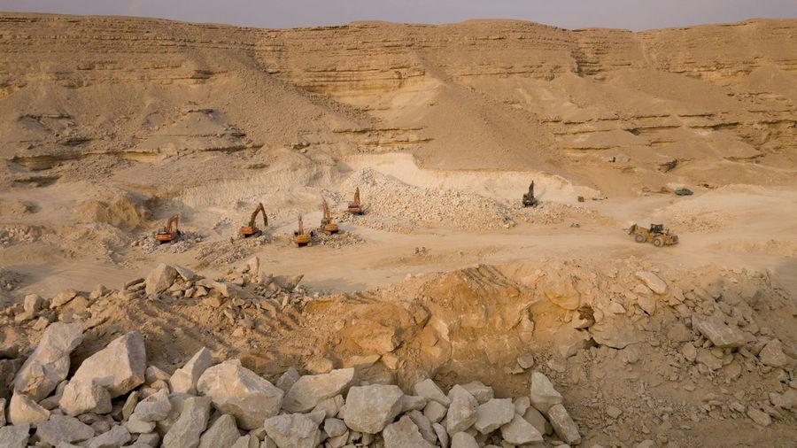 Landscape Beauty In Nature Rock Environment Mountain Desert Trucks Egypt égypte