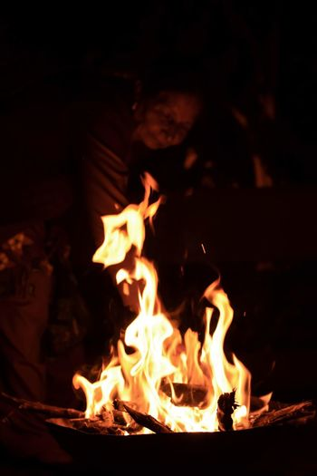 🔥 InMakin! Bonfire Randomness One Person One Woman Only Capture The Moment Heat - Temperature Flame Burning Night Outdoors Love Yourself Inner Power