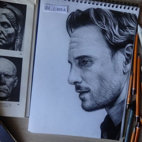 Great actor Michael Fassbender 💕 Michaelfassbender Art Portrait Draw Actor MOVIE Draw Drawings Art ArtWork Art, Drawing, Creativity Arts