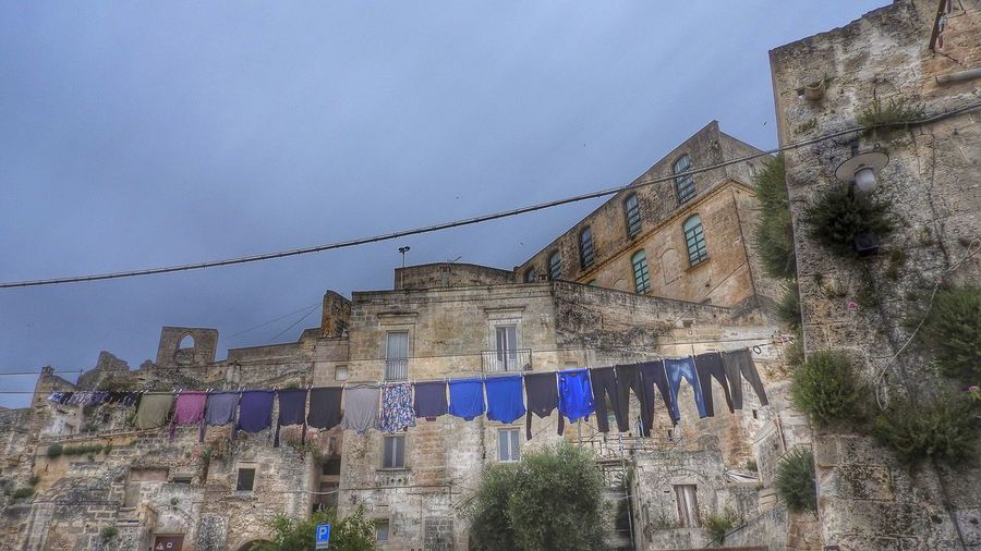 Drying laundry in Matera Matera Drying Clothes Drying Laundry Laundry Laundry Day Cityscapes Cityscape Washing Line Washing Medieval Medieval Architecture Sassi Sassi Di Matera Sassidimatera Medieval City Monuments Monument UNESCO World Heritage Site