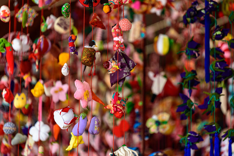 Hanging Close-up No People Focus On Foreground Market Large Group Of Objects Multi Colored For Sale Retail  Abundance Market Stall Variation Day Choice Selective Focus Full Frame Decoration Art And Craft Creativity Retail Display Outdoors Sale