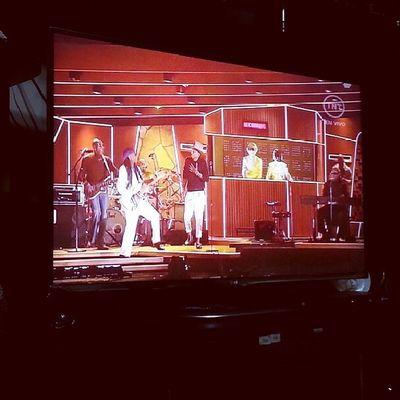 AWESOMEEEEE!!! DaftPunk, Williams Pharrell & StevieWonder Juntos y todos nos fuimos a la mierrrrr♡... GrammysEnTnt Daftpunk  WillPharrell StevieWonder