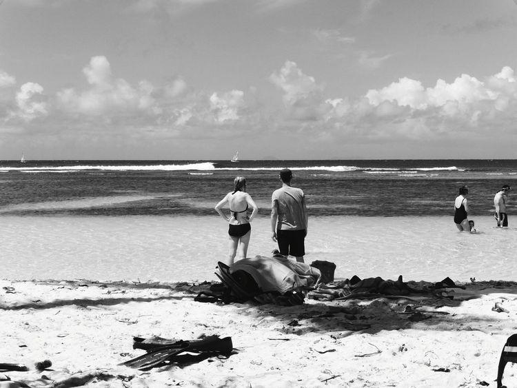 Couple Sea And Sky Couple Photography Capture The Moment Blackandwhite Sea