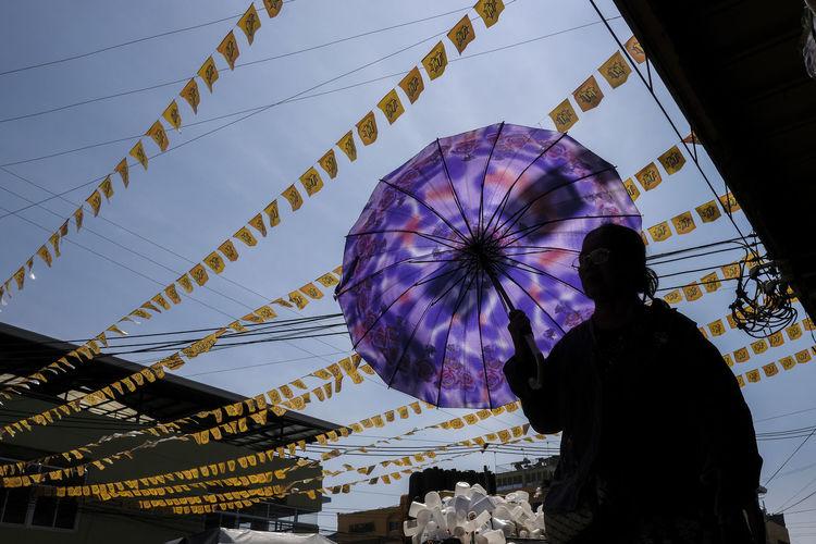 Fujifilm X-Pro2 XF18mmF2R. Aug 2016. Yacapin St corner V. Roa St., CDO. Eyeem Philippines Street Photography Fujifilm X-pro2 XF18mmF2.0 Philippines The Street Photographer - 2017 EyeEm Awards