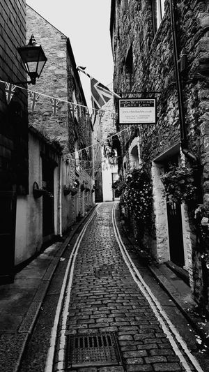 Street Narrow