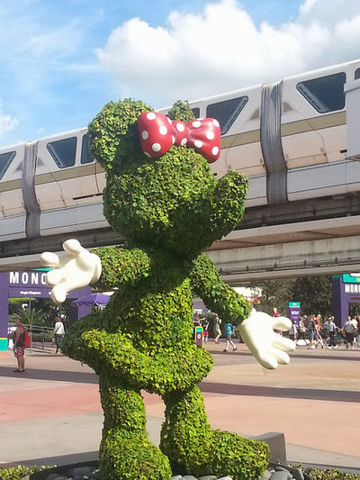Minnie .. Minnie Mouse Disney Monorail  Sightseeing