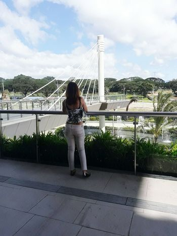 Hello World Its Me Sky Cloud - Sky Nature Bridge - Man Made Structure Built Structure Outdoors Architecture Day Selfie ✌ Lookfortoday Classygirl Short Hair Keeping It Classy Just Being Me Casual Look Under The Sun OOTD ❤ MY INSTAGRAM @jennyfashionillustration