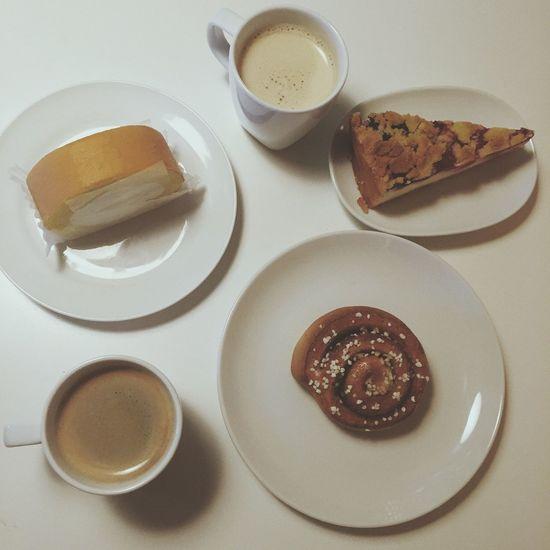 Food And Drink Food Drink Sweet Food Coffee Cake Sweets Cinamonroll EyeEmNewHere 食べ物 ケーキ コーヒー スイーツ