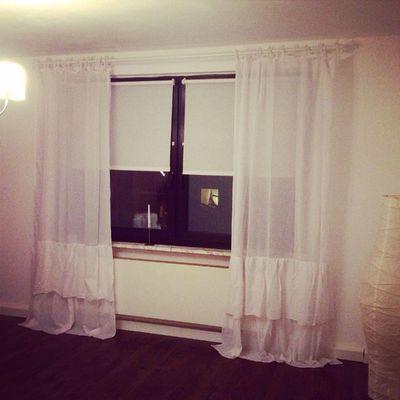 Das Wohnzimmer bekommt durch die neuen wunderschönen Vorhänge von H&M Home ein ganz neues Ambiente bin in love ❤️ könnte den ganzen online store leer kaufen. H&M Home Check This Out Sweethome