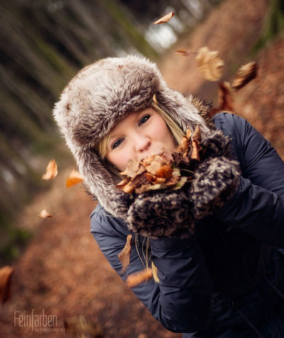 Autumn Beauty 🍁❤️ Feinfarben Photography Beauty Natural Beauty Fall Beauty Autumn Available Light Model Outdoor Woods Leaves Autumn Leaves