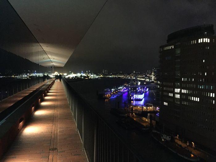 Nofilter Hamburg Elbphilharmonie Plaza Light And Shadow