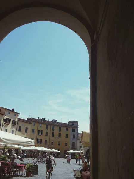 Lucca Details Tourist Holiday Miss Those Days Relaxing Photography Ancient Piazza Anfiteatro Eye Em Around The World Eye Em Architecture Tuscany Check This Out Enjoying Life Houses Old City Artistic
