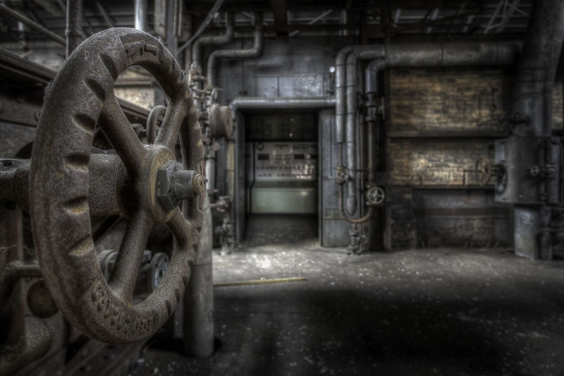 Abandoned Places Decay Abandoned Dirt Equipment Factory Indoors  Industrial Equipment Industry Machine Part Machine Valve Machinery Manufacturing Equipment Metal Metal Industry No People Old Technology Urbex Urbexphotography Valve Wheel