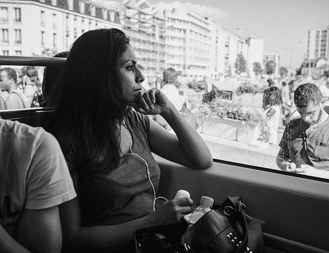 Streetphotography Streetphoto Streetphotography_bw Streetphotogapher Urbanlife Streetlife Street_photo_club Blackandwhite Bnw Allbnwshots All_bnwshots Paris Igersparis_select Igersfrance Streets Transportation