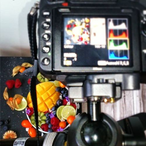 Food Shoot. It's been fun and kind of exhausting at the same time. However some yoga and a lot of coffee helped. Oh, and of course, the cats did their best, too, i.e. they didn't steal anything or sit on anything (important) or eat the props. Happy Foodshoot Freshfruit Smoothiebowl Foodblog Colours Caturdays Goodcats Nowrelax