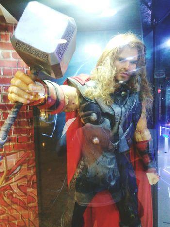 Thor  Moviestar Model Marvel Display Thorhammer Hammer Caracter Reflection Statue Sculpture Thailand Bangkok