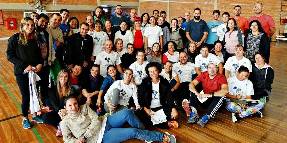 Grupo de professores de Educação Física da Rede de Parceiros Multiplicadores do Esporte Educacional Rio Grande do Sul