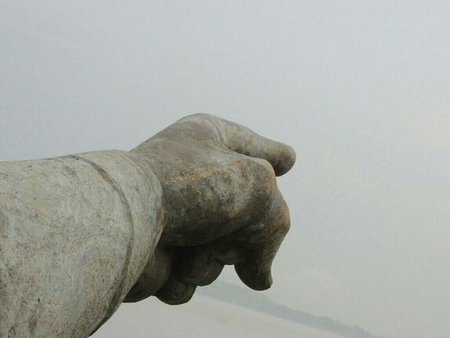 EEA3 - Guwahati Pointing Fingers Statue Lachit Barphukan The Amazing Human Body