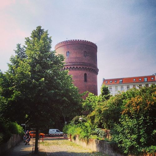 Whoa what is that thing? An old tower I'd never come across before - Instagram/Foursquare kindly informs me it is a water tower belonging to the old Rixdorf village (did I get that right?), and Wikipedia tells me it dates back to 1892 and is 42 mt high. # Neukölln Accidental Discoveries