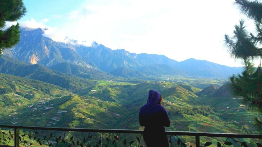 In front of Mount Kinabalu. Taking Photos Borneo Island Mountain View Mountain_collection People And Places