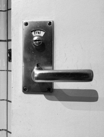 Doorhandle with sign Protection Safety Door Close-up No People Lock Day Indoors  Monochrome Black & White Black And White Door Handle Door Lock SignSignEverywhereASign Signs Sign Indication Free Come In Bathroom Restroom Personal Perspective From My Point Of View