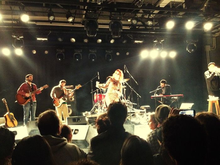 Virando,vivendo .... na virada cultural! Show de karina buhr🙋🏻 Viradacultural2015 Sescbelem São Paulo Music Show 🎤🎶👍📱🌜