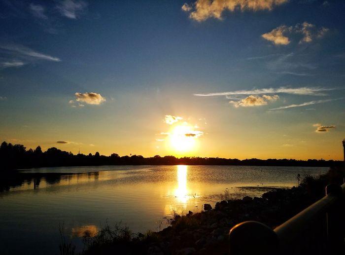 Sun down 🌅 Sunset Reflection Sky Nature Sun Landscape Beauty In Nature Freelance Beauty Orlandoflorida