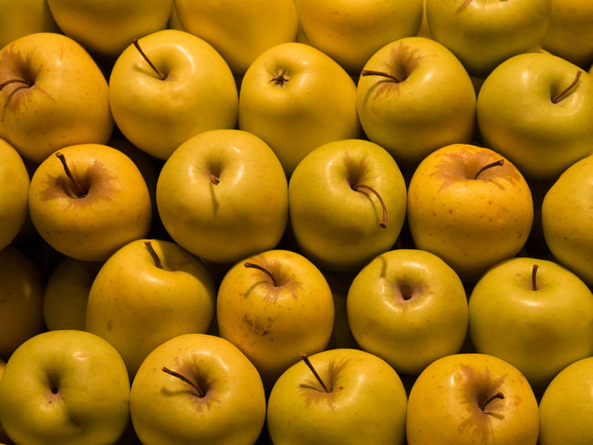 Abundance Apple Apple - Fruit Arrangement Backgrounds Close-up Directly Above Food Food And Drink Freshness Fruit Full Frame Green Color Healthy Eating Indoors  Large Group Of Objects No People Repetition Still Life Vegetable Wellbeing