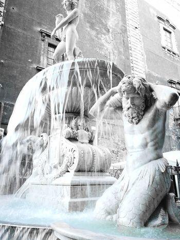 Resist Water Sculpture Catania Sicily Catania - Scorcio Italiano Catania Cataniatiriempieilcuore Cataniaisdifferent Italy🇮🇹
