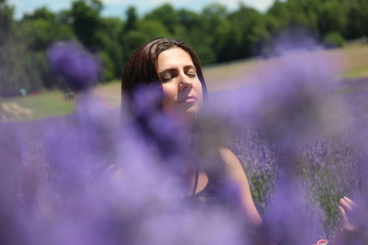 Beauty In Nature Flower Lavender Field Lavender Field Portrait Nature Outdoor Portrait Relaxing Portraits Spa Lavender Tranquility Spa Relaxing Spa Spa Picture Spa Portrait Meditation Meditation Spot Meditation On The Garden Meditation Zen Concentration Concentrating Meditating In The Lavender Fields Yoga Meditation Natural Zen Women Around The World Live For The Story