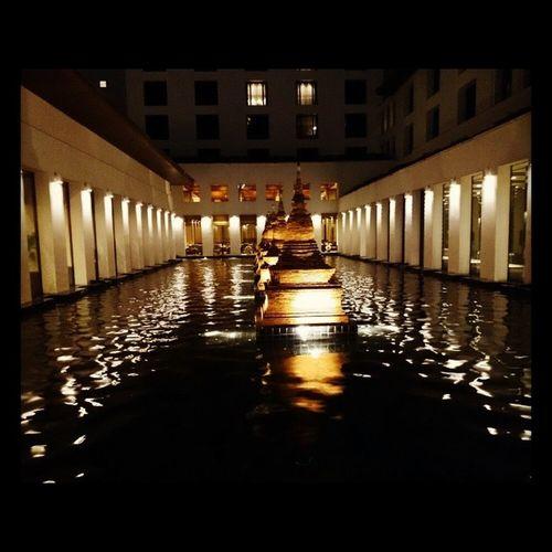 The way the water looks at night looks like it's oil Sukothai Hotel