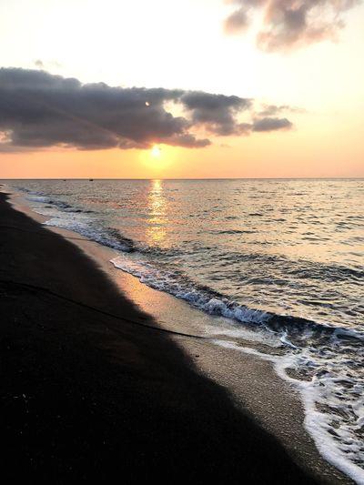 Sunrise Beach side Surf Sunrise Waves Golden Hour Beach Sunrise On The Beach Sunrise - Dawn Sunrise_sunsets_aroundworld Seascape Sea Sunset Beach Scenics Water Beauty In Nature Horizon Over Water Vacations Tranquil Scene Idyllic Nature Sand