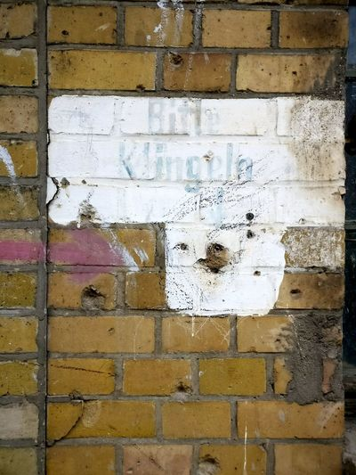 Berlin Bitteklingeln Bittenichtklingeln AndereZeiten Wand Industriegebäude Pleasering Pleasedonotring Timesarechanging Wall Industry