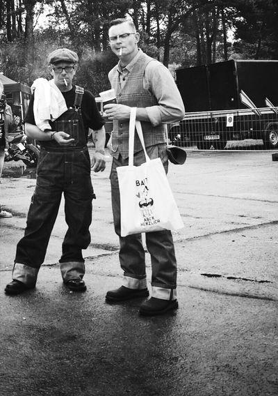 Watch the watcher... Streetphotography Streetphoto_bw Race61 Vintage Rockabilly Rock'n'Roll Smoker Smoking Candid Blackandwhite RePicture Masculinity B&w Street Photography