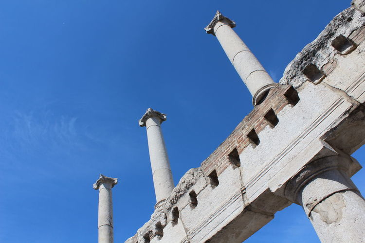 Architecture Sky Travel Tourism Day History Outdoors Ancient The Past Napoli Archaeology Monument Pompeii  No People Travel Destinations Low Angle View Ancient Civilization Built Structure Old Ruin Architectural Column Raconets Viaje Culture Lesson