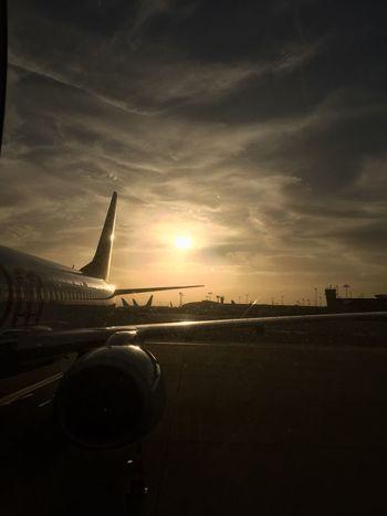 Original Airplane Transportation Airport Travel Cloud - Sky Sky Mode Of Transport