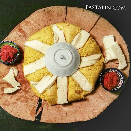 Abısta da hazır 😉😋 Pastalinmutfagi @mutfakgram Gramyöresel Mutfakgram @insta_foodandplaces @insta_foodandplaces @en_iyileri_kesfet En_iyileri_kesfet sunumönemlidir benimaksamyemegim enguzelsunumum abista gramsofra dogal kutukservis agac i abhazya abhazia peynirli peynir abazaotu