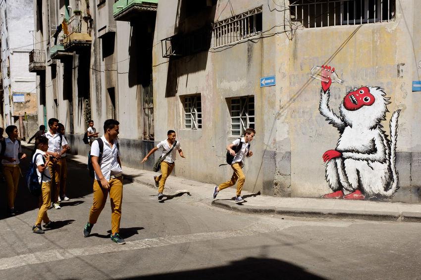 Streetphotography Street Photography Havana Cuba Graffiti Graffiti Art Schoolchildren School Uniform