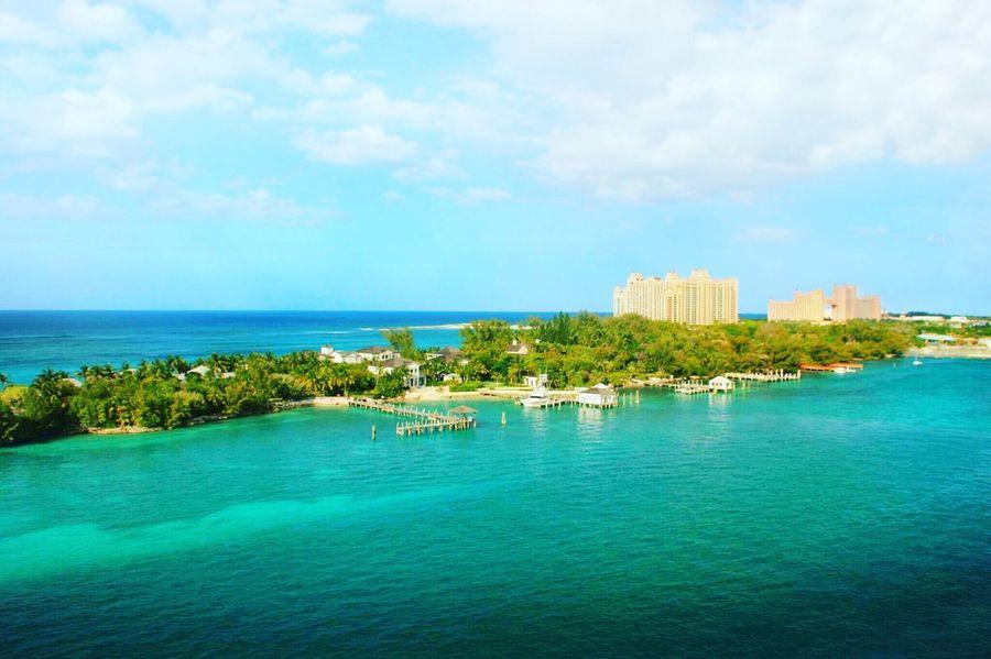 Nassau Bahamas Atlanis hotel Nassau Nassau, Bahamas Nassaubahamas Bahamas Clear Water Clear Sea Green Sea Blue Sea Blue Sky Trees Atlantis Atlantis, Bahamas.  Atlantis Hotel Caribbean Caribbean Sea Beach Sea Pier First Eyeem Photo EyeEm Best Shots