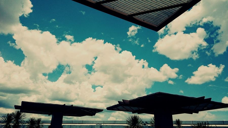On A Break Lookingup Irememberyou The Clouds Reminds Me Of Happy Days