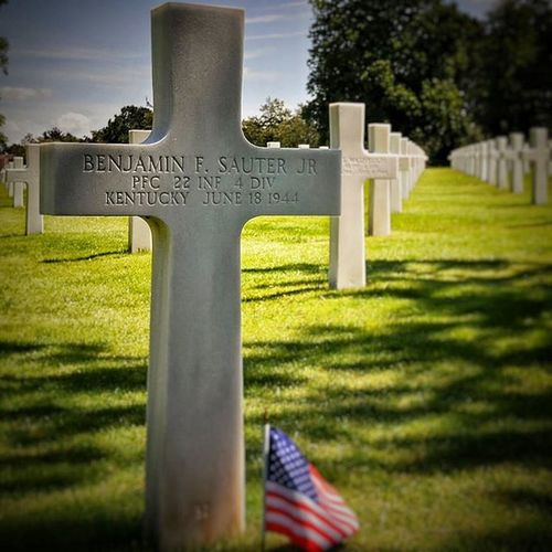 Cimetière Américain - Collevile sur mer Nikonfr Igersfrance IgersNormandie Normandie Normandy Beach Débarquement Omahaboys Omaha Ww2 War Army Memory Cemetery USA Usarmy Soldier Collevile Ig_worldclub Ig_europe Ig_great_pics IGDaily Igersoftheday Igaddict Picsoftheday