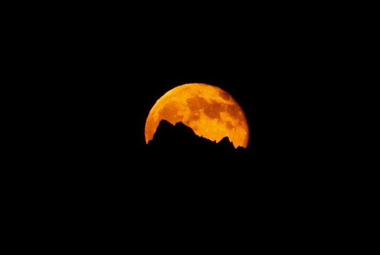 Moon Astronomy Outdoors Moon Surface Nature Night Beauty In Nature Sky Montagne Lune Montains    Full Moon Pleine Lune